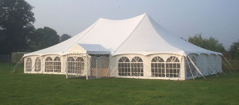 traditional-marquee-walkway
